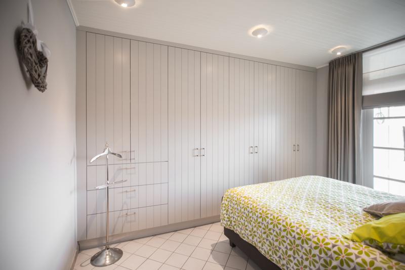 https://www.interieur-vangool.be/images/galery/ingebouwde-slaapkamerkast-op-maat.jpg